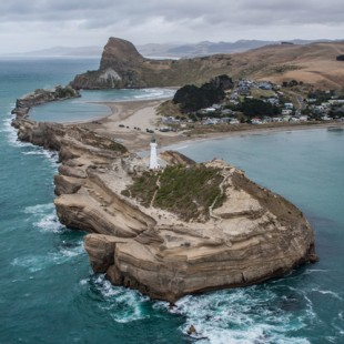 Castlepoint 100 yrs on by Sid Hayes